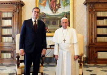 VUČIĆ U VATIKANU: Sa papom Franjom o (ne)priznavanju Kosova i (ne)mogućoj posjeti Srbiji