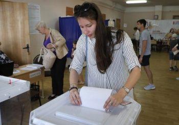 """SILAZNA PUTANJA: Vladajuća """"Jedinstvena Rusija"""" izgubila trećinu glasova na gradskim izborima u Moskvi"""