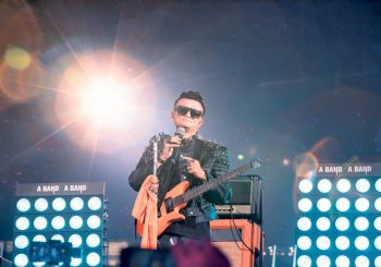 "OSNIVAČ ""ALIBABE"" SE POVUKAO: Najbogatiji Kinez oprostio se od zaposlenih rok koncertom za 80.000 ljudi"