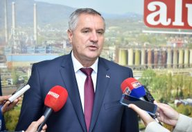 """VIŠKOVIĆ U """"ALUMINI"""": Došao sam da dam podršku, institucije RS stoje iza ovog kolektiva"""