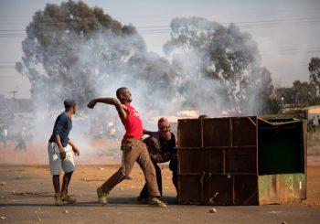 HAOS U JUŽNOJ AFRICI: Veliki broj povrijeđenih i uhapšenih u napadima sa ciljem protjerivanja stranaca VIDEO