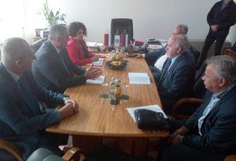 VIŠKOVIĆ U FOČI: Novi putni pravci prema Tjentištu i Šćepan polju prioritet Vlade RS