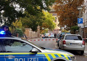 NJEMAČKA: U pucnjavi ispred sinagoge ubijene najmanje dvije osobe