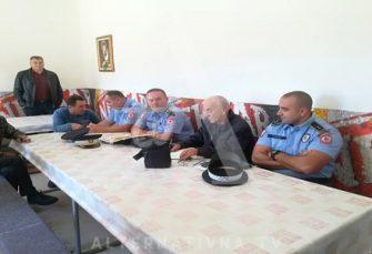 TRAŽE RJEŠENJE: Građanima Bileće dosta migranata: Sastali se sa policijom i načelnikom