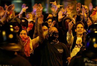 ATMOSFERA GRAĐANSKOG RATA: Na ulicama Barselone sukobi lijevih separatista i desnih unionista
