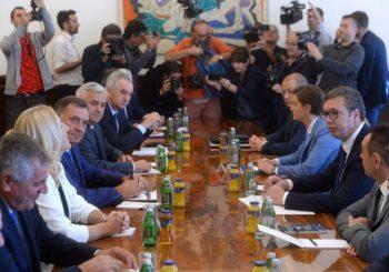 """Povratak otpisanih rješenja u BiH i """"posrednička"""" uloga Aleksandra Vučića"""
