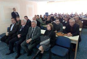 FOČA: Čubrilović uručio 100 članskih karata aktivistima Demosa
