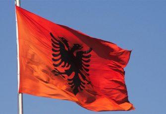 Istakao albansku zastavu pa protjeran iz Crne Gore