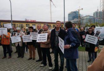 """""""Pravda za Davida"""" ispred Okružnog tužilaštva, Dodik poručio da proces """"previše dugo traje"""""""