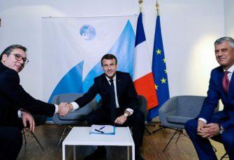 PARIZ: Vučić sa Makronom i Tačijem, francuski predsjednik mu poručio da će Evropa voditi proces pregovora o Kosovu