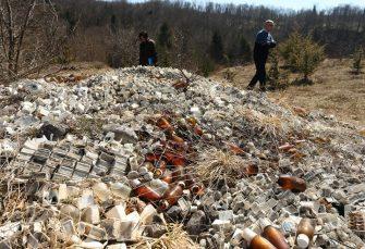 KRAJ DIVLJE DEPONIJE: Uklonjen farmaceutski otpad iz Jasenovih Potoka kod Mrkonjić Grada