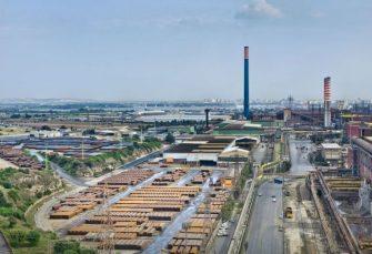 """ITALIJANI LJUTI NA """"ARSELOR MITAL"""": Kupili najveću željezaru pa odustali, vlada insistira na ugovoru"""