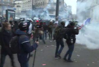 ŠTRAJK DECENIJE: Pola miliona Francuza na ulicama zbog reforme penzionog sistema