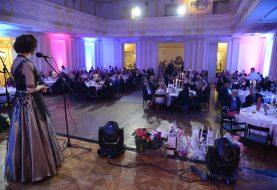 HUMANITARNI ROTARI BAL: Doniran AED uređaj Banskom dvoru i novčane nagrade studentima Akademije umjetnosti