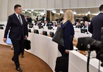 PREDSTAVNIČKI DOM BIH: Tegeltija izložio ekspoze, prioriteti - ekonomija, vladavina prava i EU