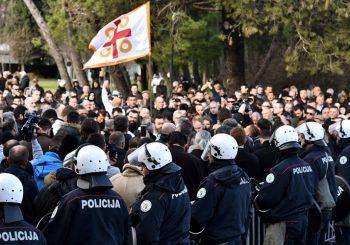 UHAPŠENE 22 OSOBE: Usvojen zakon o slobodi vjeroispovijesti u Crnoj Gori
