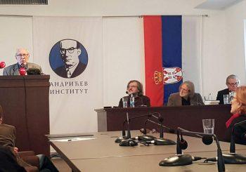 ANDRIĆGRAD: Kusturica uručio Mihailoviću nagradu za životno djelo
