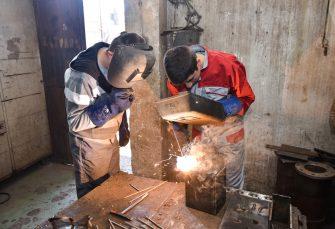 ZANAT 'PEKU' U ALUMINI: Učenici Tehničkog školskog centra na praksi u najvećem zvorničkom kolektivu