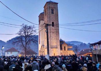 VELIKE LITIJE U CRNOJ GORI: 100.000 vjernika na ulicama