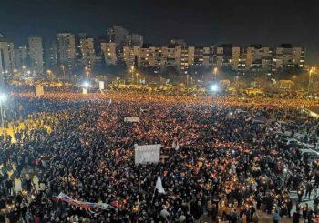 U PODGORICI 60.000 LJUDI: U glavni grad pješke stigli učesnici litija iz svih dijelova Crne Gore