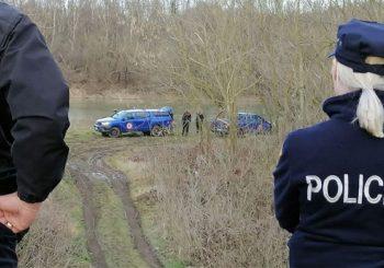 Ronioci u Savi pronašli vozilo s tijelom jedne osobe