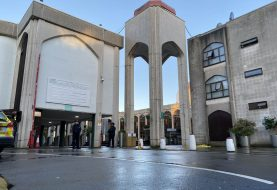 LONDON: Napad nožem na imama u džamiji tokom molitve