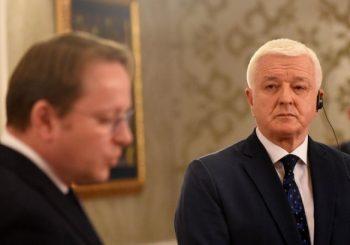 PRIČAO SA KOMESAROM EU: Premijer Crne Gore spreman da odloži primjenu spornog zakona o SPC