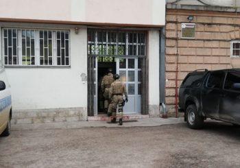 """AKCIJA """"MAGLIĆ"""": SAJ i Žandarmerija pretresaju na 28 lokacija u RS, u toku hapšenja"""