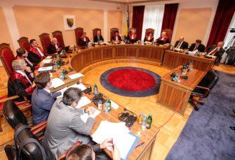 """""""GOODBYE BIH, WELCOME RS-EXIT"""": Kako je odluka Ustavnog suda dovela do krize u BiH"""