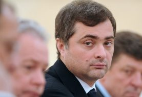 ŠTA SE DOGAĐA IZA KULISA: Putin smijenio savjetnika Surkova, sivu eminenciju Kremlja