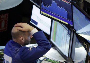 NAKON 12 GODINA: Zbog velikog pada indeksa, privremeno obustavljeno trgovanje akcijama na Vol stritu