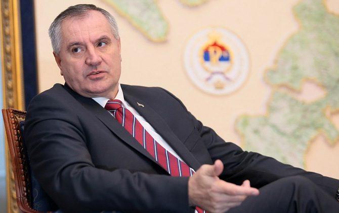 Premijer Višković razgovarao sa načelnicima opština i predstavnicima domaćih mljekara