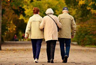 Starijima od 65 godina dozvoljeno kretanje utorkom i petkom od 7 do 10 časova