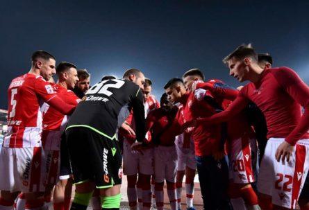 HUMANOST NA DJELU: Fudbaleri Zvezde sakupili novac za 4.000 brzih testova