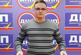 Nastavak policijske represije nad Radovanom Rakočevićem: Uhapšen zbog dijeljenja vijesti da je Đukanović zaražen koronom