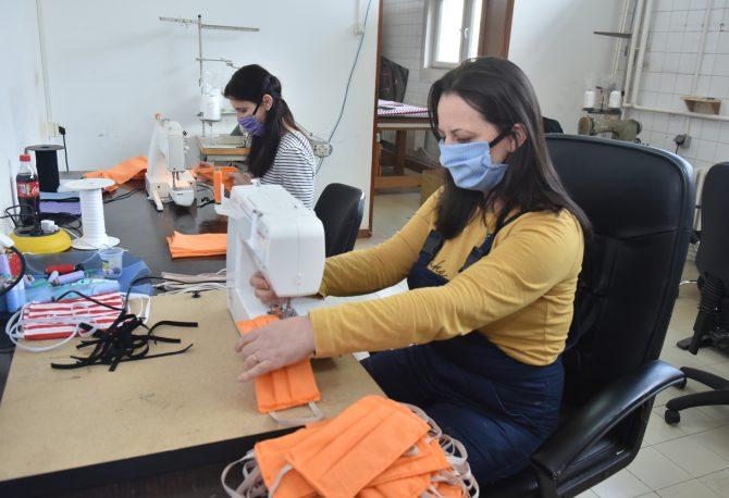 """U """"Alumini""""šiju maske za radnike kompanije"""