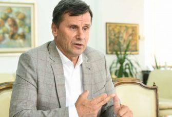 """Novalić smijenio savjetnika povezivanog s aferom """"Respiratori"""""""