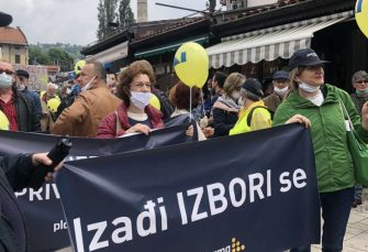 PROTESTI U SARAJEVU: Više hiljada građana izrazilo nezadovoljstvo radom aktuelne vlasti
