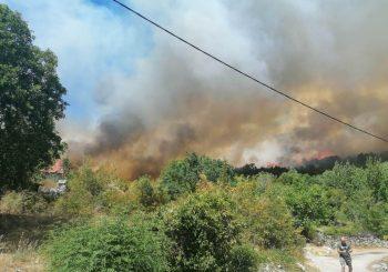 Nadljudskim naporima posade helikoptera ugašen požar nad Banjevcima