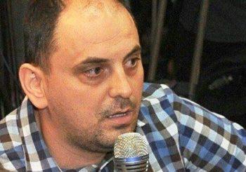 Pritisak na novinarstvo: Policija na vratima roditelja Dražena Živkovića jer je izvještavao sa litije u Kučima!