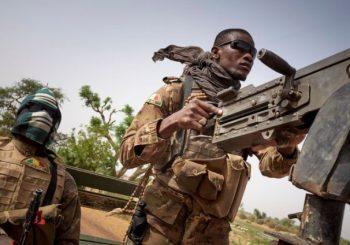 PUCNJAVA I HAPŠENJA U BAMAKU: Pukovnik Kamara predvodnik državnog udara u Maliju
