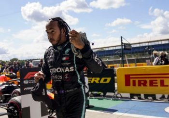 KAMPANJA PROTIV RASIZMA ILI POLITIZACIJA: FIA vodi istragu zbog majice Luisa Hamiltona na podijumu