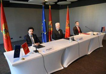 BEZ PROMJENE ZASTAVE, GRBA I HIMNE Lideri tri koalicije potpisali sporazum o principima nove Vlade Crne Gore