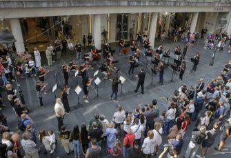 NENAJAVLJENI KONCERT: Beogradska filharmonija nastupila u Knez Mihailovoj ulici
