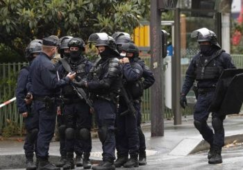 PARIZ: Profesor ubijen na ulici zbog karikatura proroka Muhameda, policija likvidirala napadača