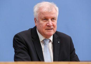 """IGNORISAO POZIV IZ RESORA ZDRAVSTVA: Njemački ministar policije odbio vakinaciju """"AstraZenecom"""""""