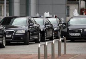 Zorica Cvijanović, direktor Republičkog deviznog inspektorata,taksira službenim automobilom